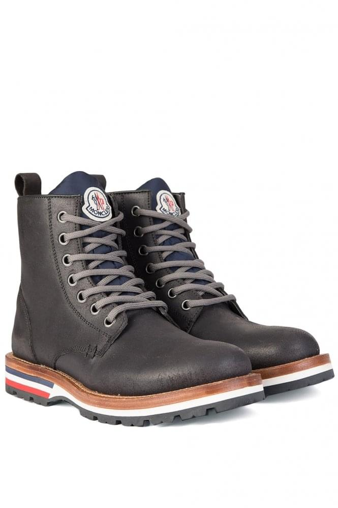 MONCLER Contrasting Sole Vancouver Ankle Boots Black